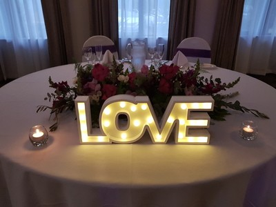 Love Sign reception 400