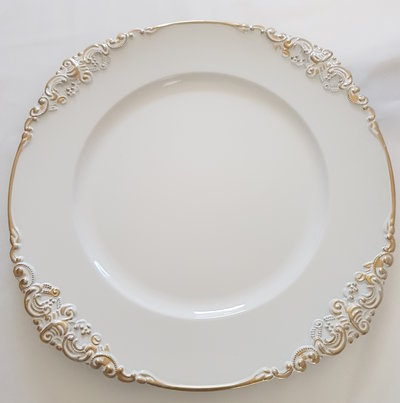 Baroque charger plate 400